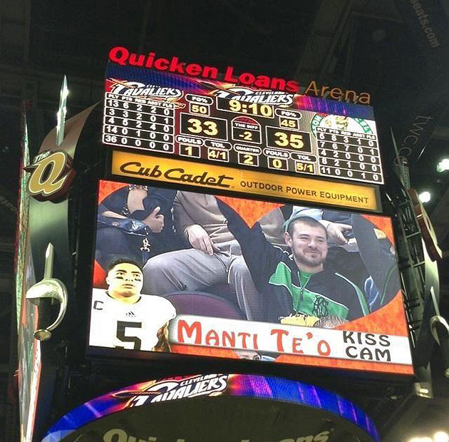 Cleveland Cavaliers bust out 'Manti Te'o Kiss Cam' during win o…