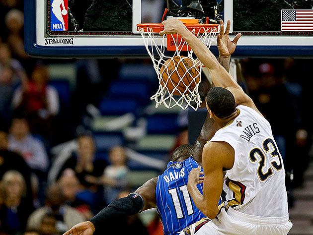Anthony Davis dunks all over Glen 'Big Baby' Davis, grabs caree…
