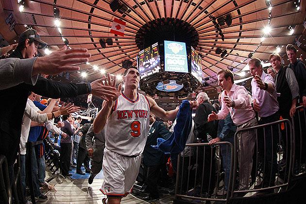 Free-agent roundup: Knicks keep Prigioni, Spurs snag Belinelli,…