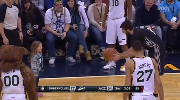 Adorable alert: Wolves' Ricky Rubio plays catch with little gir…