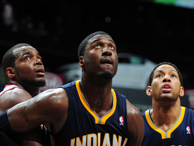 Roy Hibbert efficiently downs an Internet troll, talks shop wit…