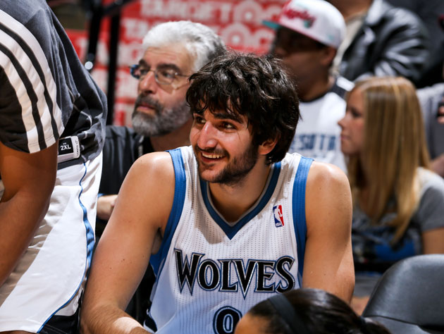 Ricky Rubio caps off his first triple-double with a behind-the-…