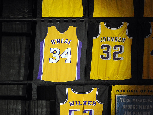 Shaquille O'Neal's retired Lakers jersey is backward, and it's …