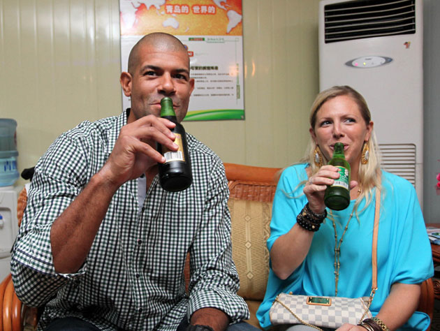 Shane Battier is rewarded for his beer plug with a truck full o…