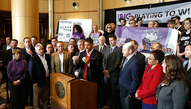 Sacramento Mayor Kevin Johnson introduces plan to save Kings, t…
