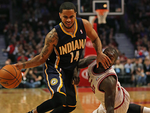 Create-a-Caption: D.J. Augustin wishes Nate Robinson would be q…