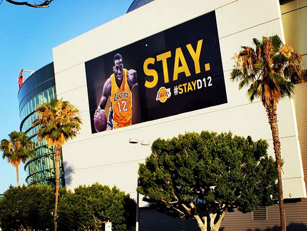 Lakers court Dwight Howard with 'STAY.' billboard, GM Mitch Kup…