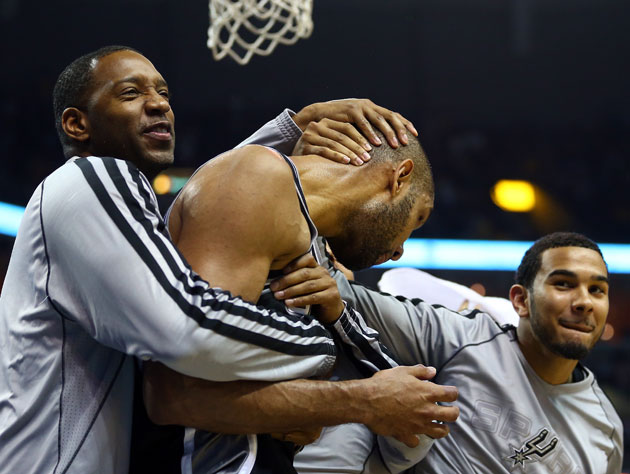 Tim Duncan shines brightly as San Antonio comes from way back t…