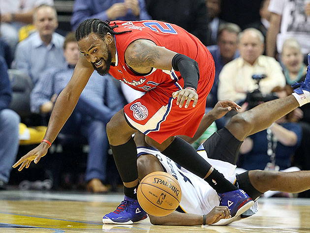 Create-a-Caption: Ronny Turiaf can't wait to go after this loos…