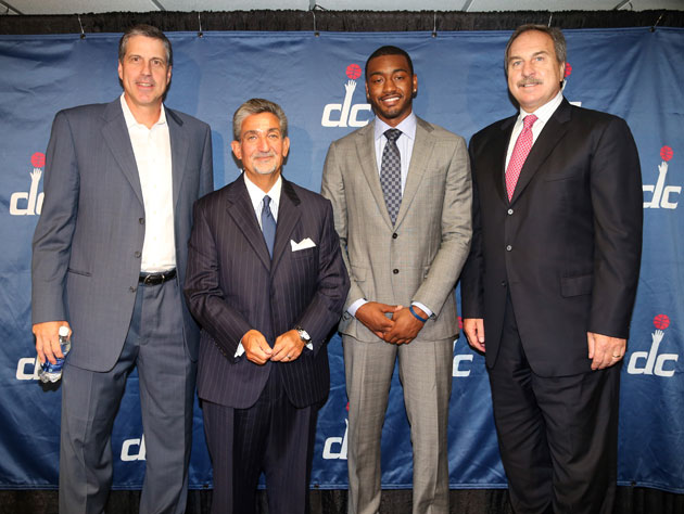 Washington Wizards owner Ted Leonsis backs GM Ernie Grunfeld in…