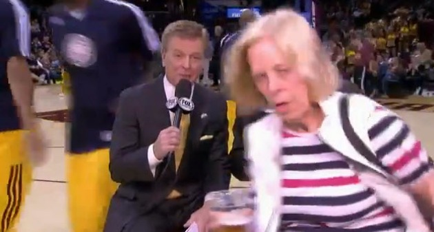 Fan with beer walks into Cleveland Cavaliers TV introduction, a…
