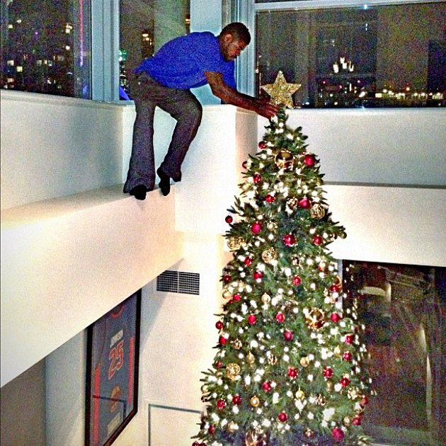 Amir Johnson has a very large Christmas tree (PHOTO)