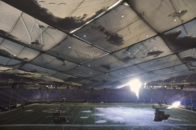 Relive the Metrodome's most famous football moments, some are e…