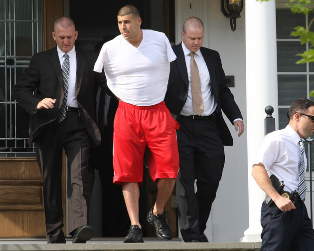 "Warrants: Aaron Hernandez ""argumentative"" with police investiga…"