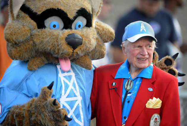 Tennessee Titans owner Bud Adams dies at 90 years old