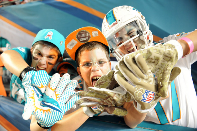 Miami Dolphins offering Sea World tickets to boost season ticke…