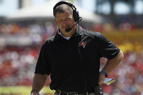Schiano defends victory formation tactic