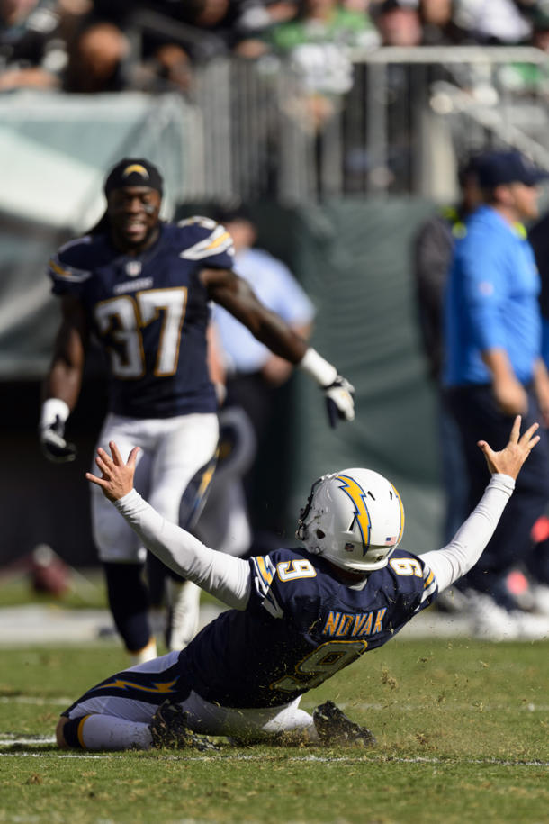 San Diego Chargers rebound to defeat Philadelphia Eagles, 33-30
