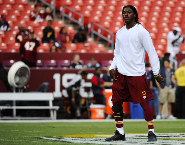 NFL officials mistakenly forced RG3 to cover up his knee brace