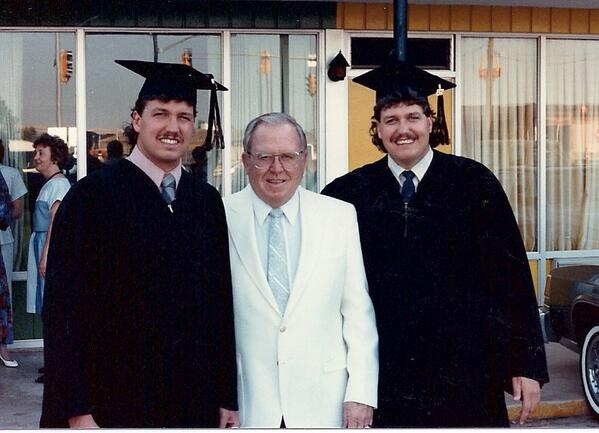 Terrific college graduation photo of Jets coach Rex Ryan and Sa…