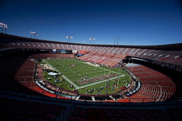 Relive Candlestick Park's top 10 NFL moments as historic stadiu…