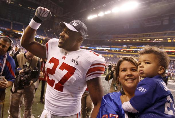 Report: Running back Brandon Jacobs re-signs with New York Gian…