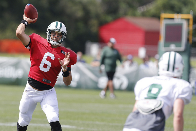 Just another day with the Jets, as fans boo Mark Sanchez and An…