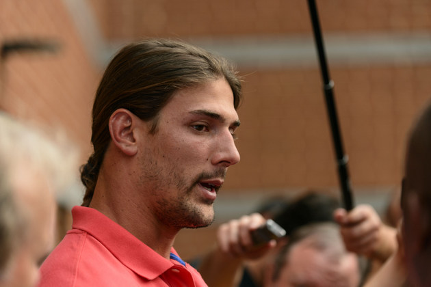 Michael Vick defends Riley Cooper after Vick's brother Marcus p…