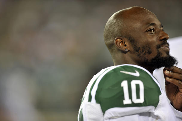 NFL Sunday inactives: Jets expect Santonio Holmes to play