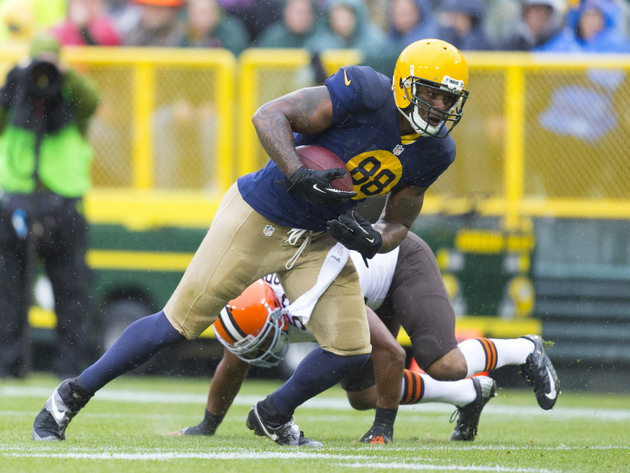 Packers tight end Jermichael Finley suffers scary neck injury b…
