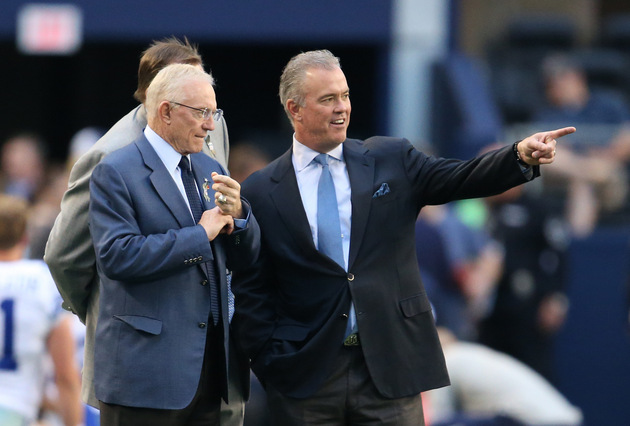Stephen Jones calls out Cowboys' defensive starters for their p…