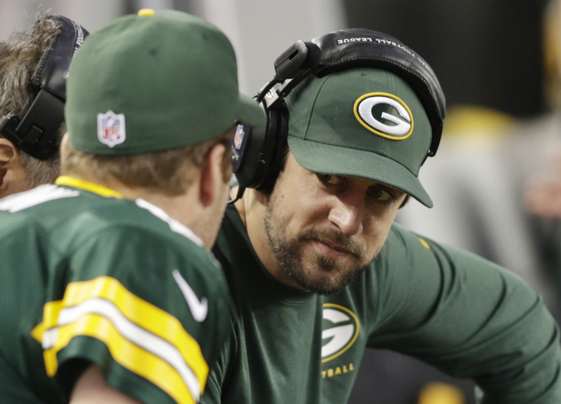 Aaron Rodgers still not cleared by doctors, still not practicin…