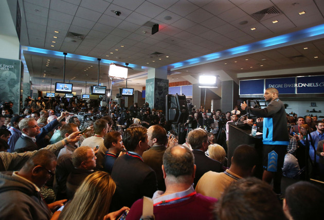 Michael Sam faced a barrage of questions … and many of them wer…