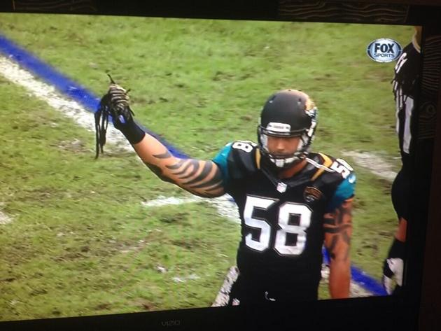 Arizona's Andre Ellington gets some dreadlocks ripped out by Ja…