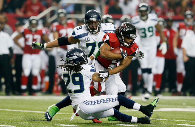 Falcons' Jacquizz Rodgers obliterates Seattle's Earl Thomas