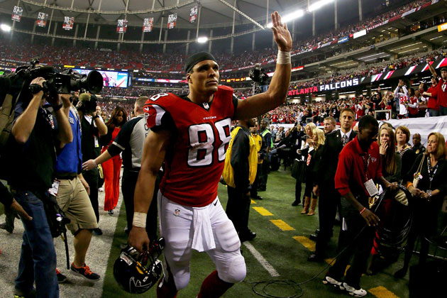Tony Gonzalez wavering? Falcons star might not retire after all