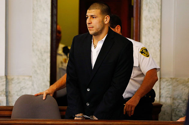 Aaron Hernandez pleads not guilty to murder, gun charges at arr…