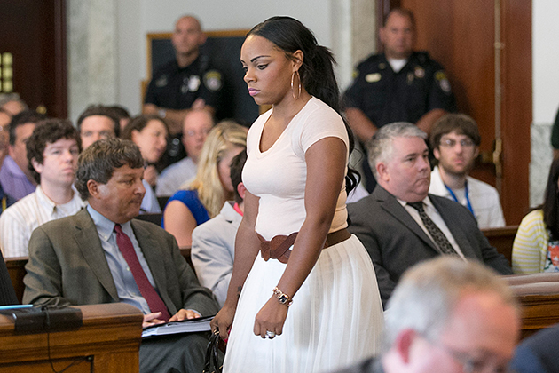 Aaron Hernandez' fiancee, cousin indicted on charges of perjury…