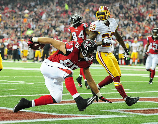 Tony Gonzalez becomes fifth player in NFL history to total 15,0…