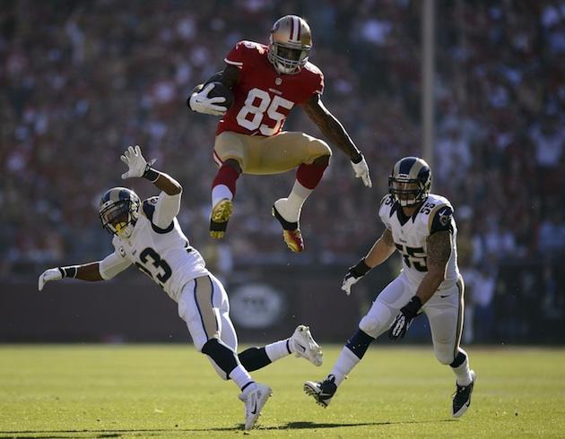 NFL in 90: Vernon Davis' sweet hurdling abilities, Panthers set…