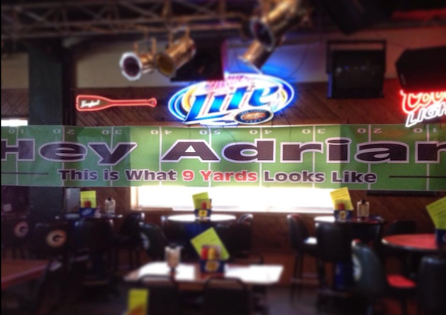 Green Bay bar taunts Adrian Peterson with sign