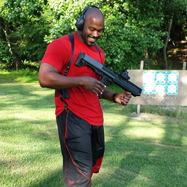Mario Williams' pictures with guns – no big deal, or bad look f…