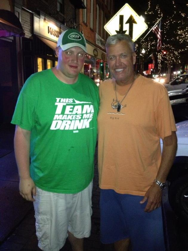Good-natured Rex Ryan takes photo with Jets fan wearing 'This t…