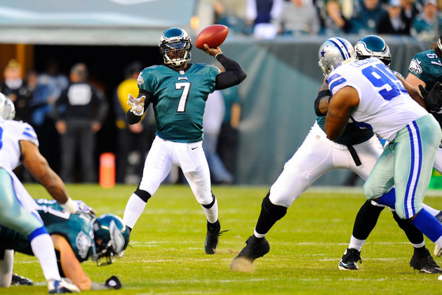 The Nick Foles era begins in Philly? Vick knocked out of the ga…