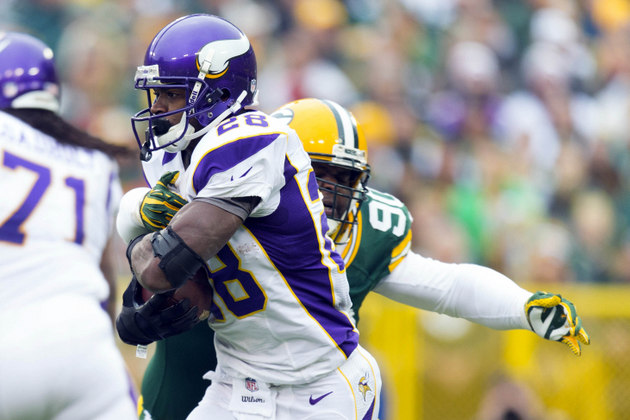 Adrian Peterson continues to impress less than a year after kne…