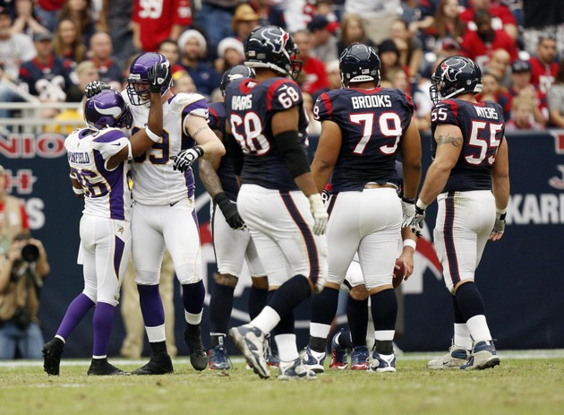 Houston not doing much to validate contender status down the st…