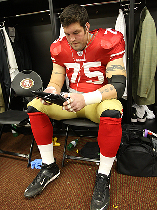 The NFL's big men agree: New jerseys make us look fat, even whe…