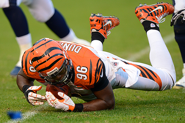 Bengals sign DE Carlos Dunlap to six-year extension