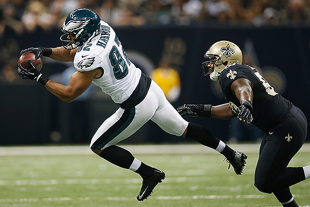 Eagles tight end Clay Harbor gets some work at wide receiver