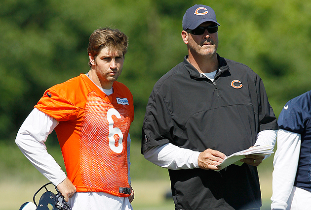Jay Cutler walks away from offensive coordinator Mike Tice on t…
